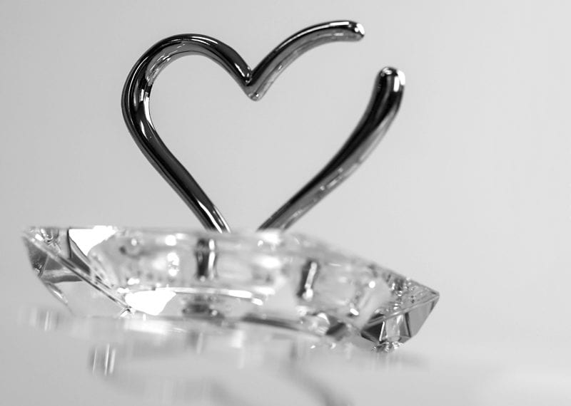 Crystal Metal Heart Ring Jewelry Holder 03